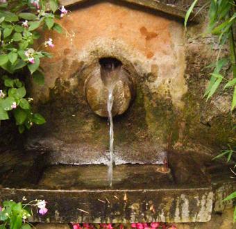 Font a la casa rural el molí de Montanyà